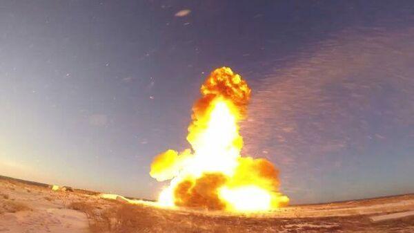 Кадры испытательного пуска новой ракеты российской системы ПРО на полигоне Сары-Шаган