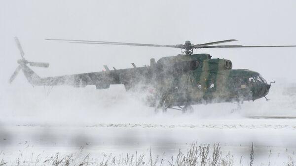 Вертолет Ми-8 Вооруженных сил России