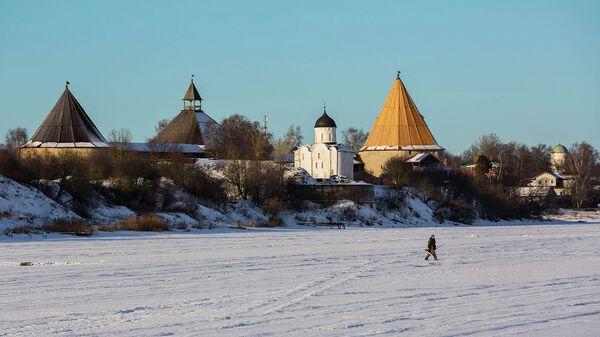 Вид на Староладожскую крепость