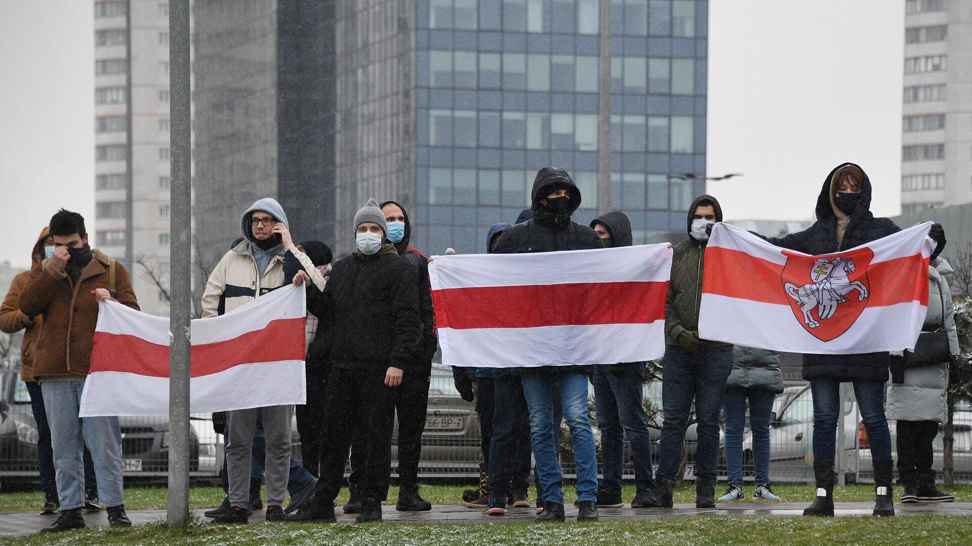 Участники несанкционированной акции протеста Марш соседей в Минске - РИА Новости, 1920, 03.05.2021