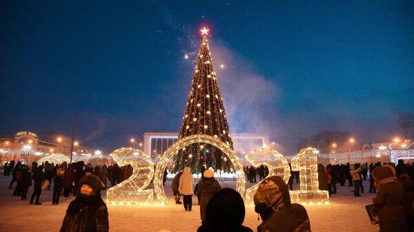В Якутии зажглась первая новогодняя ёлка страны