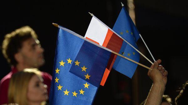 Флаги Евросоюза в предвыборном штабе мэра Варшавы