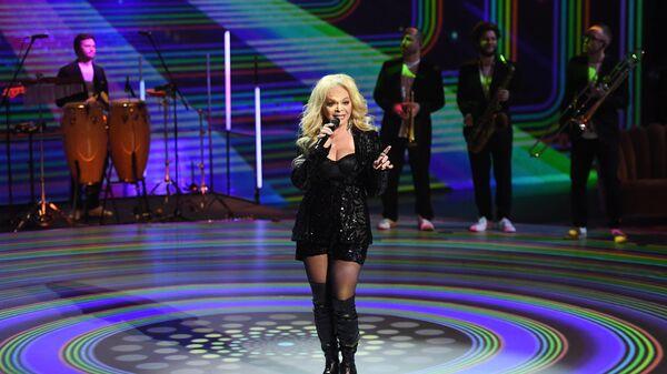 Певица Лариса Долина выступает на церемонии вручения Российской Национальной Музыкальной Премии Виктория в Государственном Кремлевском Дворце