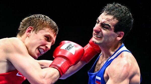 Всеволод Шумков (слева) и Овик Оганнисян