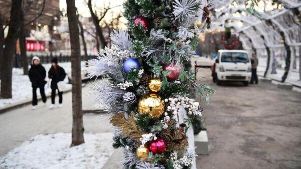 Новогодние украшения на Тверском бульваре в Москве