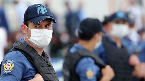 Сотрудники полиции Турции