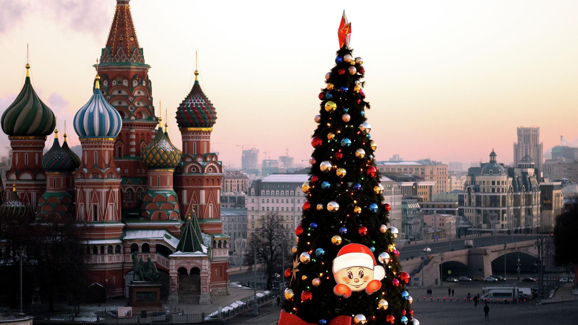 Новогодняя ёлка на Красной площади в Москве - РИА Новости, 1920, 11.12.2020