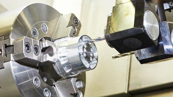 Фрезерование металлических деталей на заводе