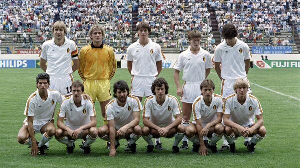 Футболисты сборной Бельгии перед началом матча ЧМ-1986 против сборной Франции