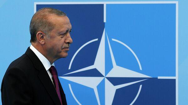 Президент Турции Реджеп Тайип Эрдоган на саммите НАТО в Брюсселе