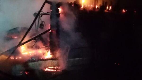 На месте пожара в Ишбулдино Абзелиловского района республики Башкортостан