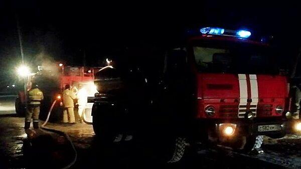 Сотрудники МЧС ликвидируют пожар в доме престарелых в Абзелиловском районе Башкирии