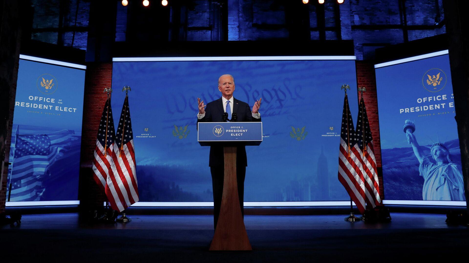 Избранный президент США Джо Байден выступает с телеобращением к нации после того, как Коллегия выборщиков США официально подтвердила его победу на президентских выборах - РИА Новости, 1920, 21.12.2020