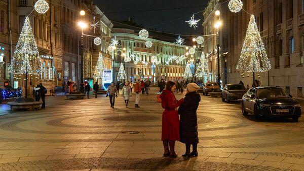 Новогодняя иллюминация на Большой Морской улице в Санкт-Петербурге