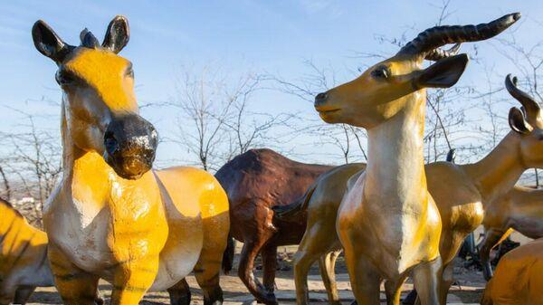 Фигуры ископаемых животных в пещере Таврида