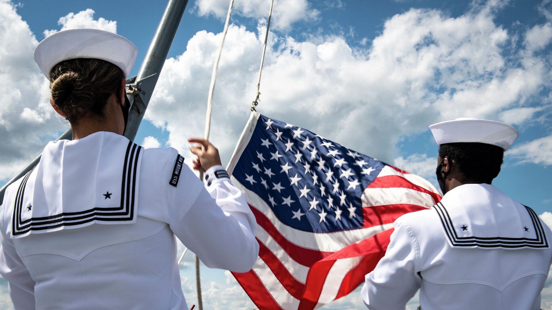 Подъем флага на корабле Маунт Уитни ВМС США - РИА Новости, 1920, 20.12.2020