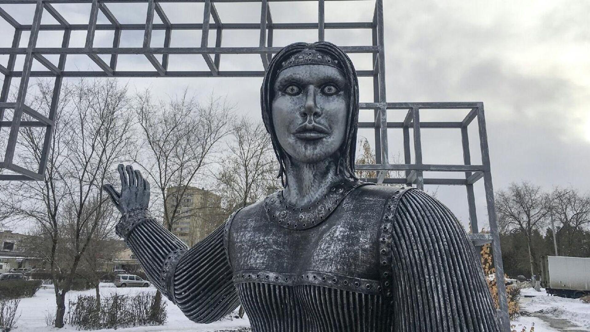 Памятник Аленке в Нововоронеже - РИА Новости, 1920, 21.12.2020