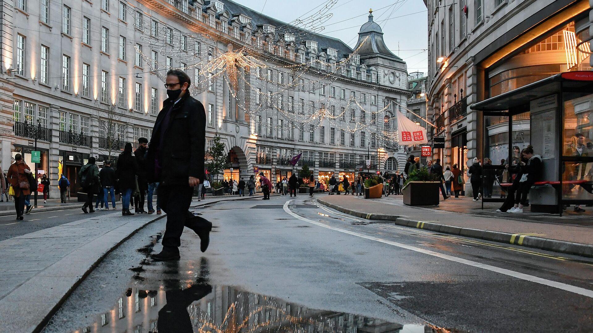 Люди на Риджент-стрит в Лондоне - РИА Новости, 1920, 21.12.2020