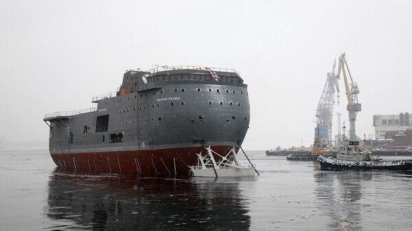 Спуск на воду ЛСП Северный полюс в Санкт-Петербурге