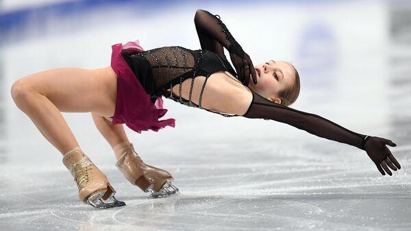 Александра Трусова выступает с произвольной программой в женском одиночном катании на чемпионате России по фигурному катанию в Челябинске.