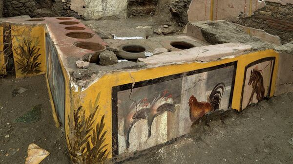 Древний киоск,  обнаруженный в Помпеях
