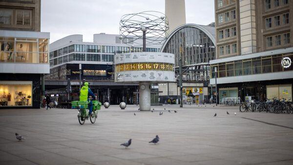 Площадь Александерплац в Берлине во время общенационального локдауна из-за второй волны пандемии коронавируса
