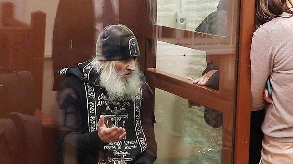 Бывший схимонах Сергий (Николай Романов) в Басманном суде Москвы
