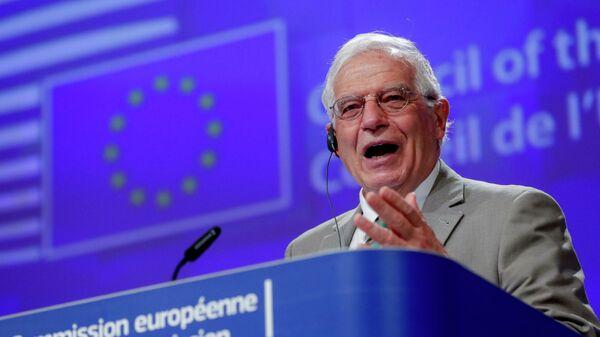 Боррель, ты не прав. Главный дипломат ЕС ушел на фронт войны вакцин