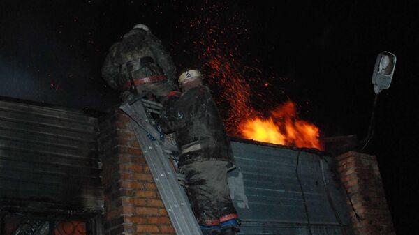 Ликвидация пожара в городе Бородино Красноярской области, где погибли три человека