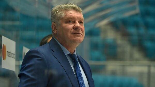 Главный тренер казахстанского Барыса Юрий Михайлис