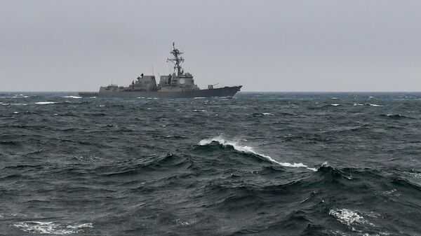 Эскадренный миноносец ВМС США USS Farragut в Северном Ледовитом океане