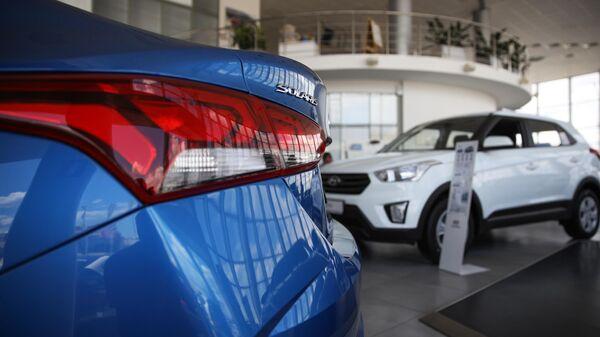 Автомобили Hyundai в автосалоне