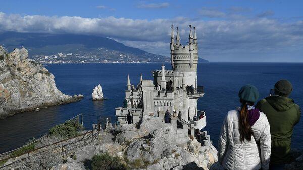 Дворец-замок Ласточкино гнездо в Крыму