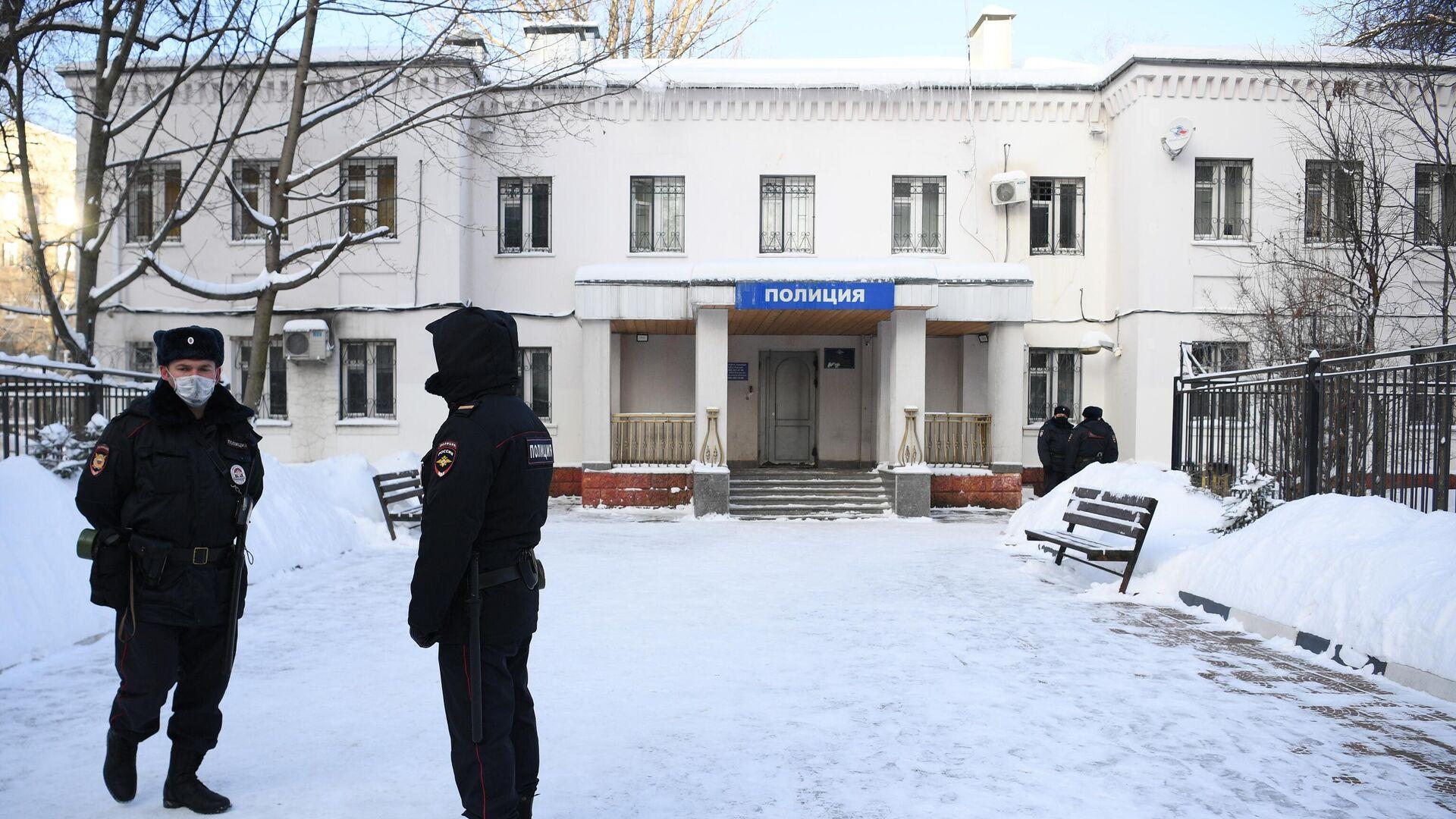 Здание 2-го отдела полиции Управления МВД России по г. о. Химки, куда доставлен Алексей Навальный, накануне задержанный в аэропорту Шереметьево  - РИА Новости, 1920, 18.01.2021