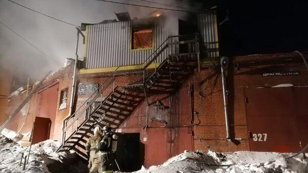 Пожар в гаражном комплексе Дзержинского района Новосибирска