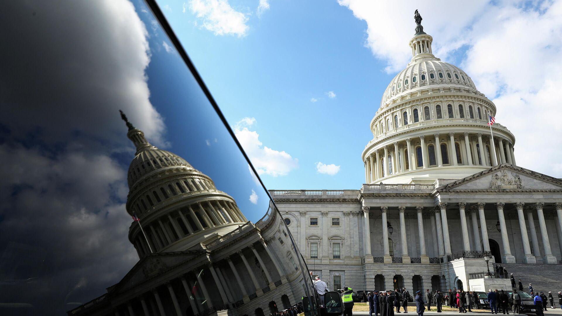 Капитолий США во время церемонии инаугурации Джо Байдена в Вашингтоне - РИА Новости, 1920, 02.02.2021