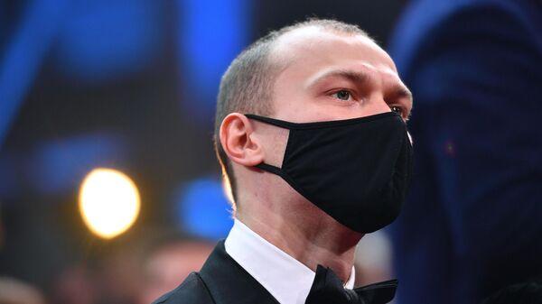 Церемония вручения премии Золотой орел Актер Юрий Борисов
