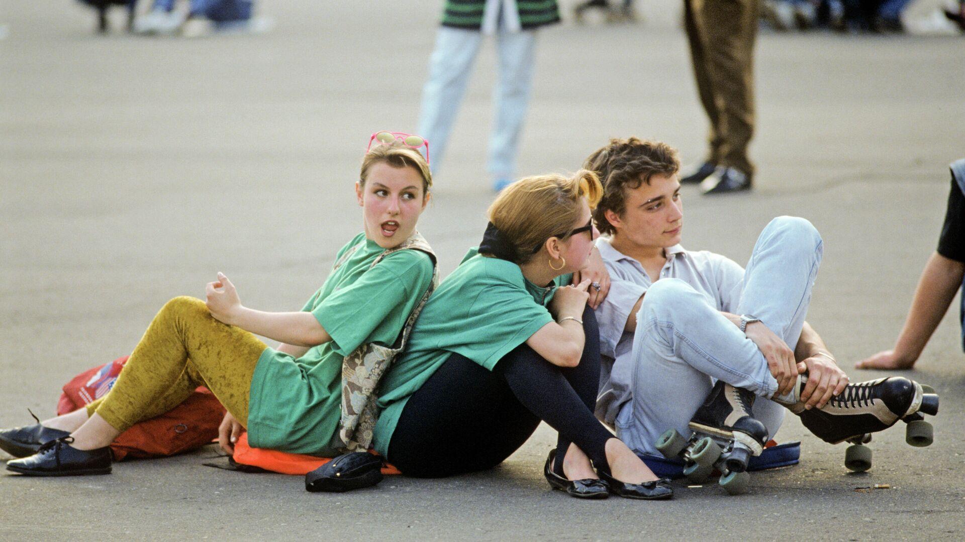 Во время рок-концерта на Манежной площади - РИА Новости, 1920, 27.08.2021