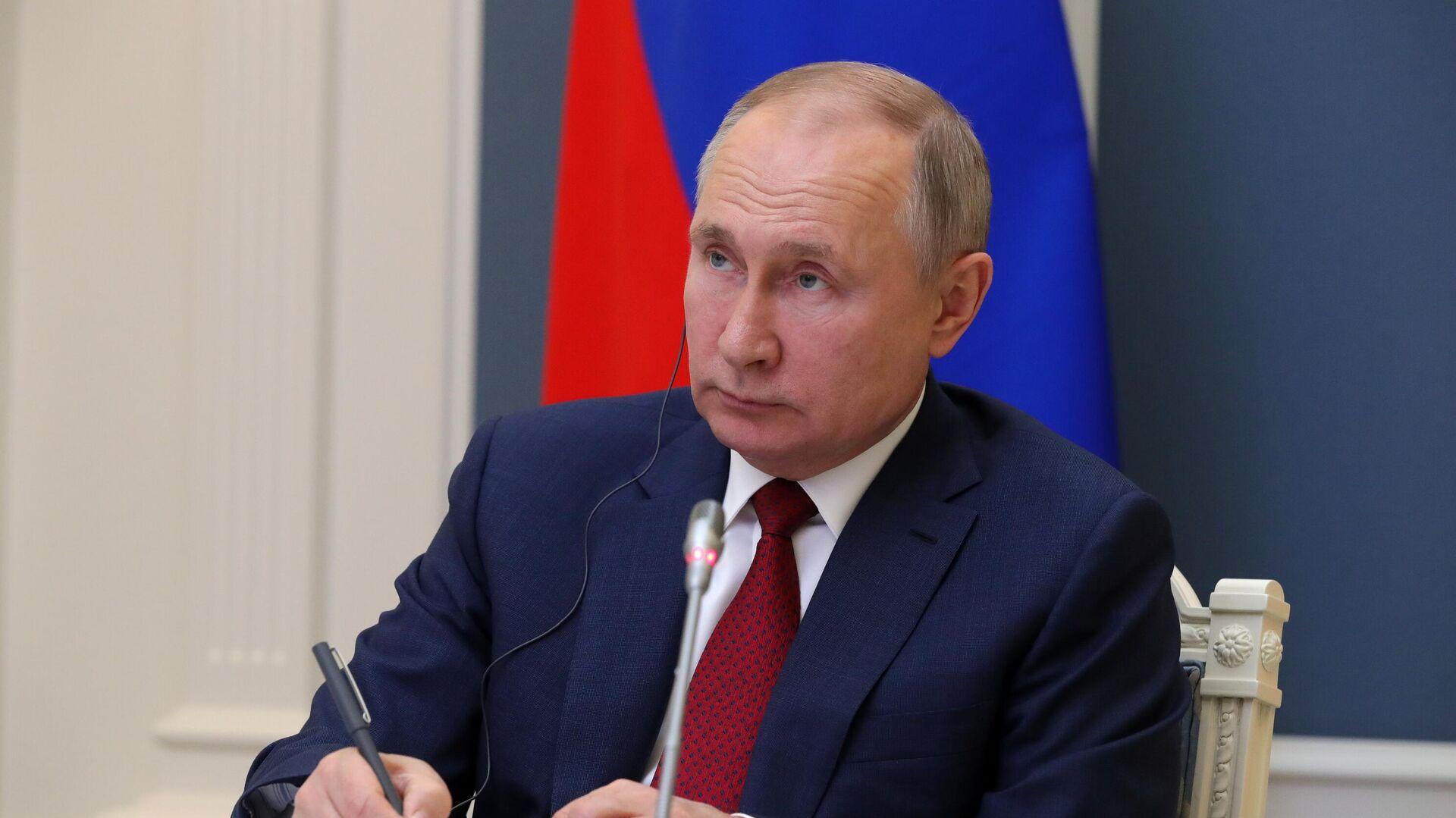 Президент РФ Владимир Путин принимает участие в сессии Давосская повестка дня 2021 Всемирного экономического форума  - РИА Новости, 1920, 01.02.2021