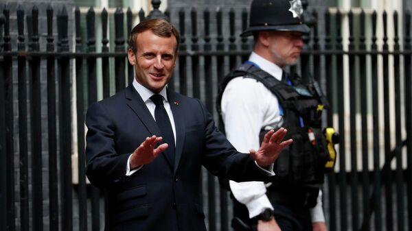 Президент Франции Эммануэль Макрон на Даунинг-стрит в Лондоне
