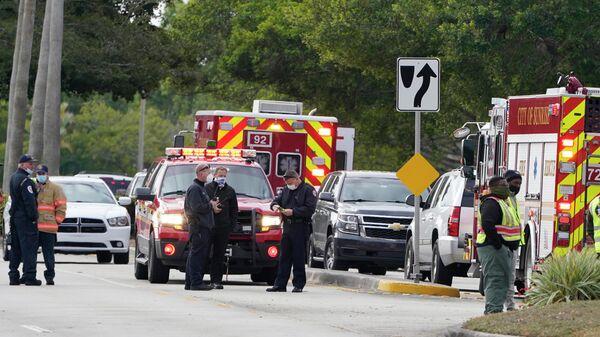 Сотрудники правоохранительных органов в районе нападения на сотрудников ФБР в Санрайз, штат Флорида