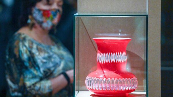 Выставка Сто историй в Музее декоративно-прикладного искусства