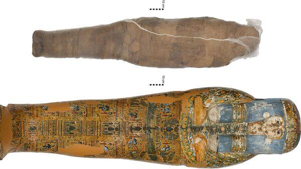 Глиняная мумия и саркофаг из коллекции Николсона в Сиднейском университете