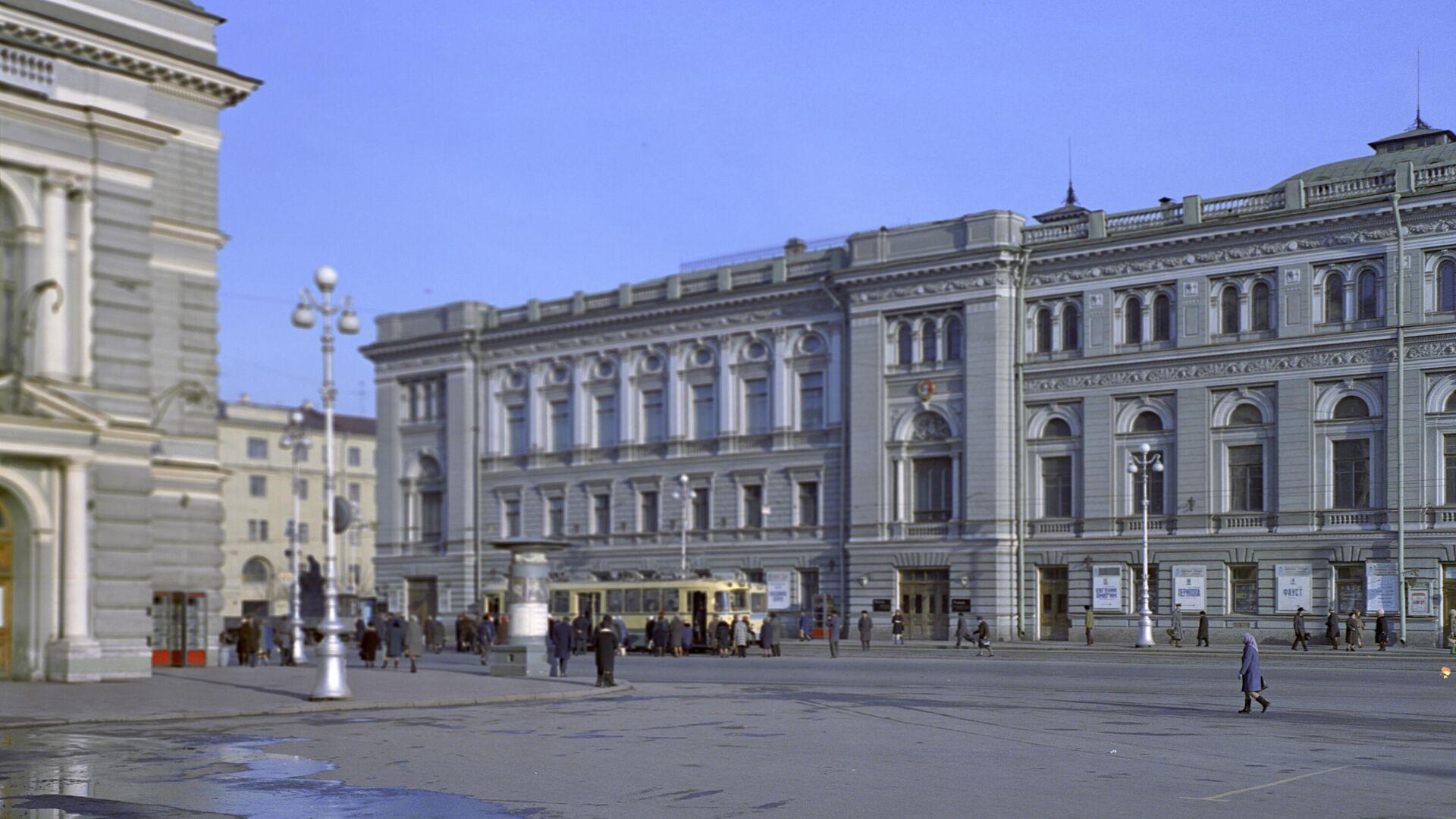 Здание консерватории имени Н.А. Римского-Корсакова в Петербурге - РИА Новости, 1920, 21.09.2021