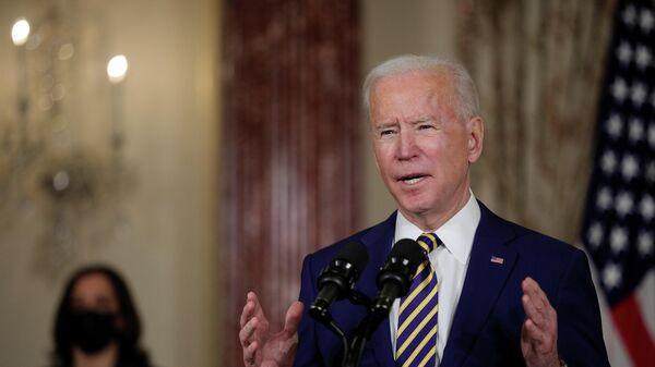 Президент США Джо Байден выступает с программной речью по вопросам внешней политики в Государственном департамент в Вашингтоне