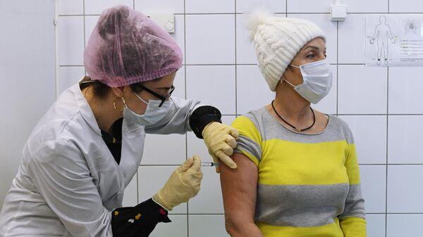 Вакцинация от COVID-19 в аэропорту Шереметьево