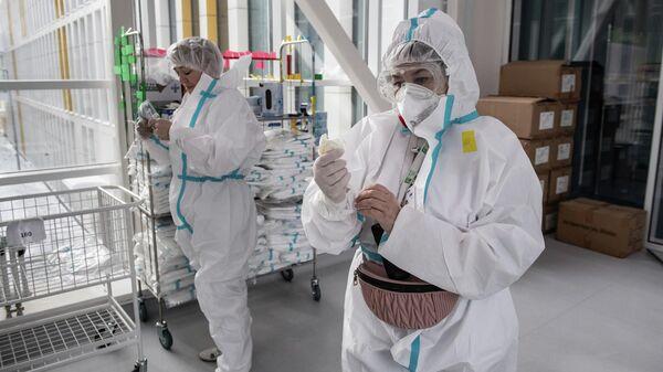 Врачи городской клинической больницы №40 в Москве, где проходят лечение больные коронавирусной инфекцией