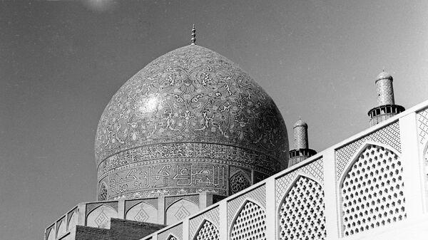 Купол мечети Чахарбаг в городе Исфахан