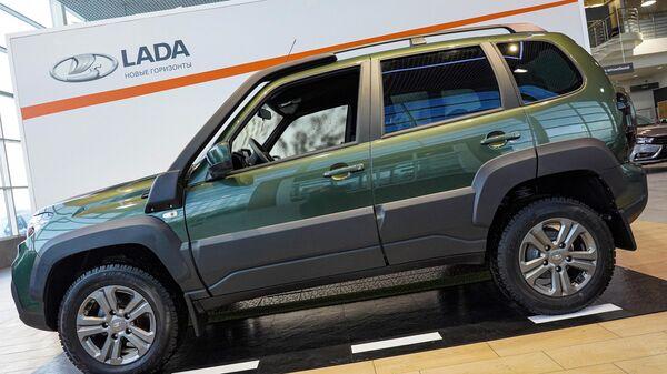 Новый автомобиль LADA Niva Travel в Санкт-Петербургском дилерском салоне LADA