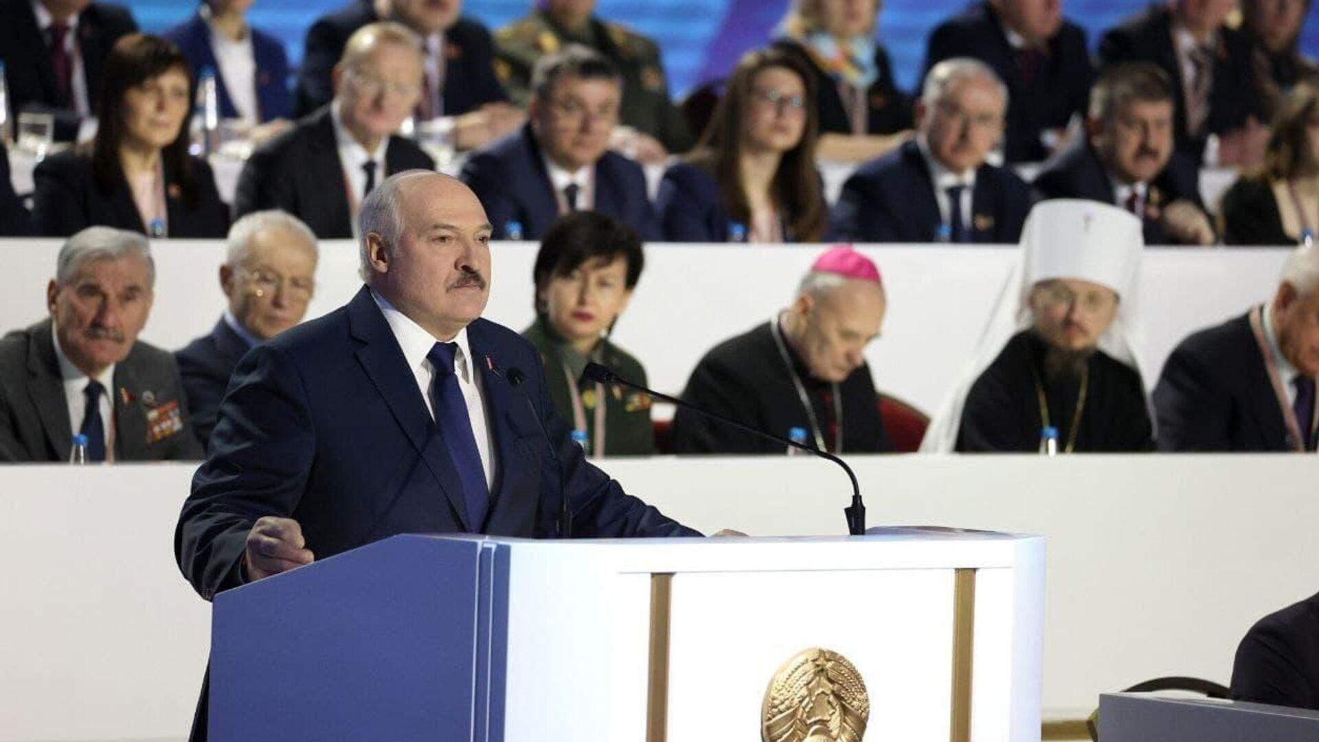 Президент Белоруссии Александр Лукашенко выступает на VI Всебелорусском народном собрании в Минске - РИА Новости, 1920, 11.02.2021